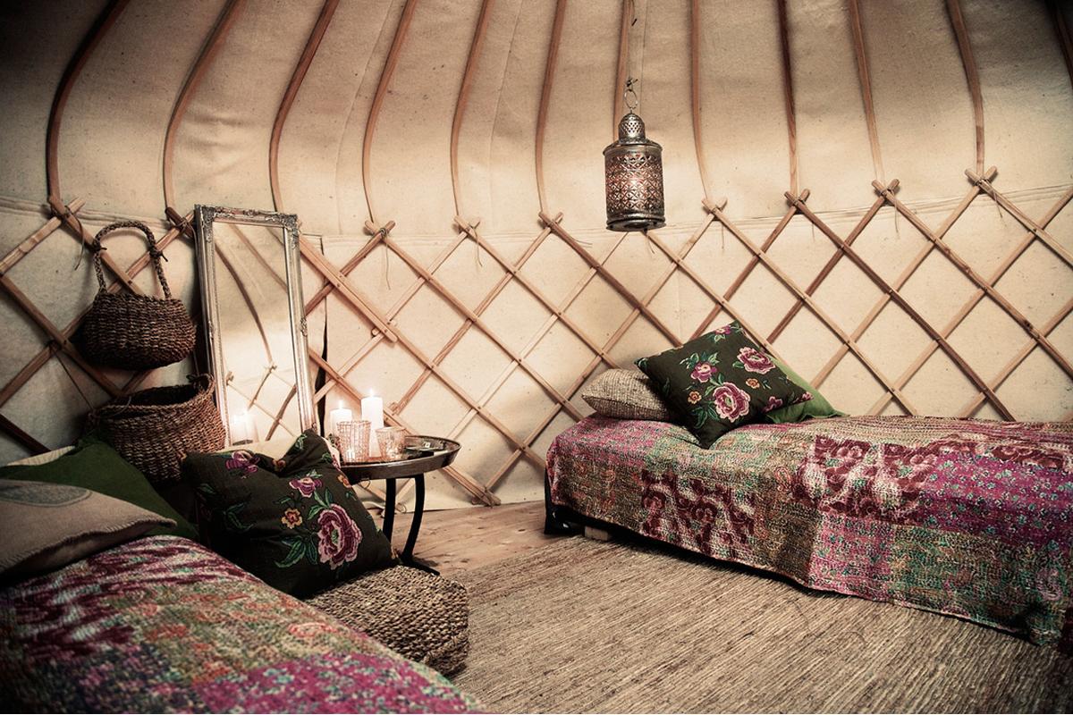 14ft yurt interior