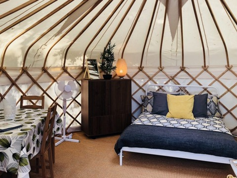 Bed-and-Dining-in-Nare-Yurt-Cornwall-16ft